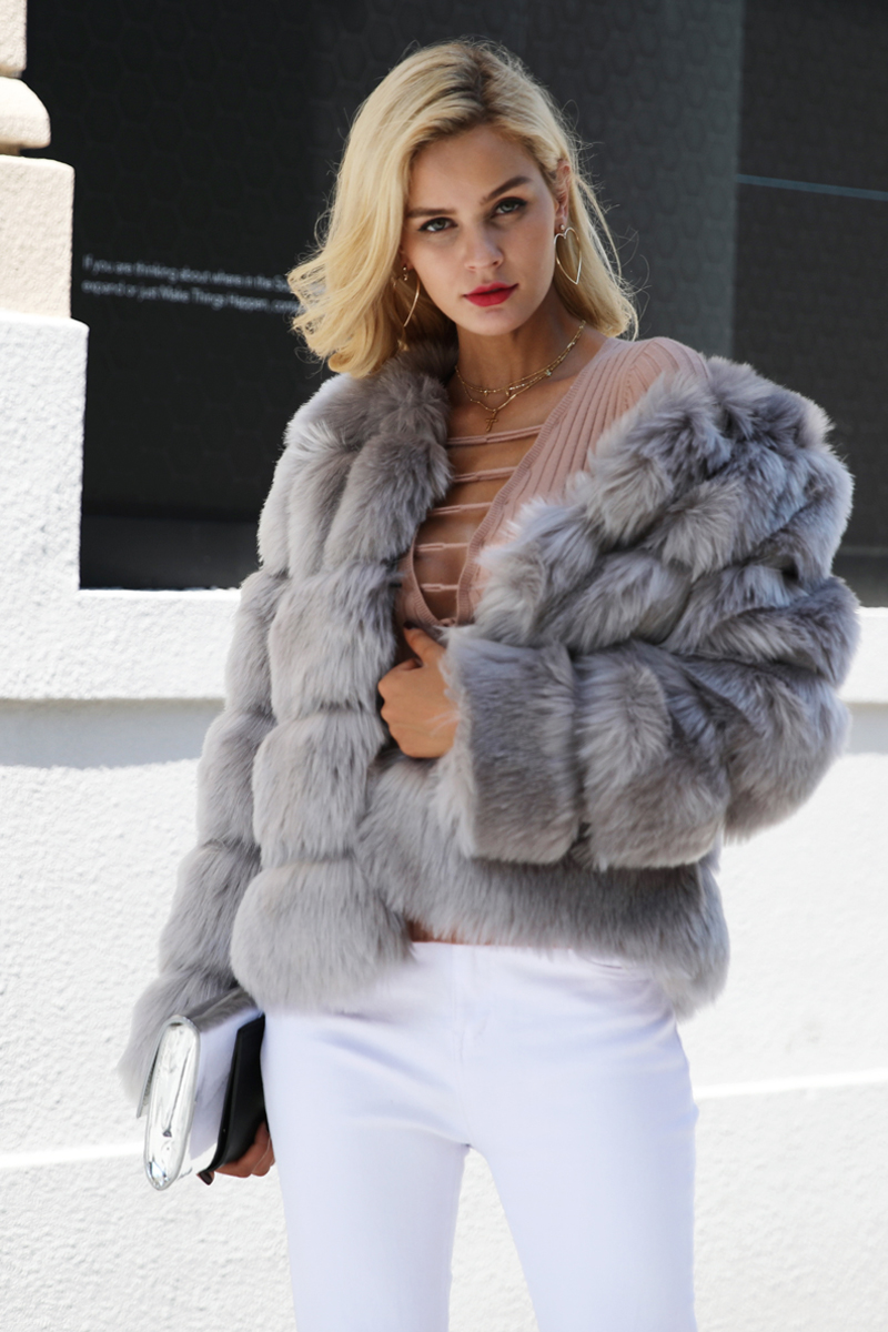 We also know that personalization is in the details, so we offer many different fake mink coat Material like Mink Fur, Fur, Genuine Leather, Fox Fur, Raccoon Dog Fur, Rex Rabbit Fur, Cotton, Cashmere, Polyester, Faux Fur, and others.